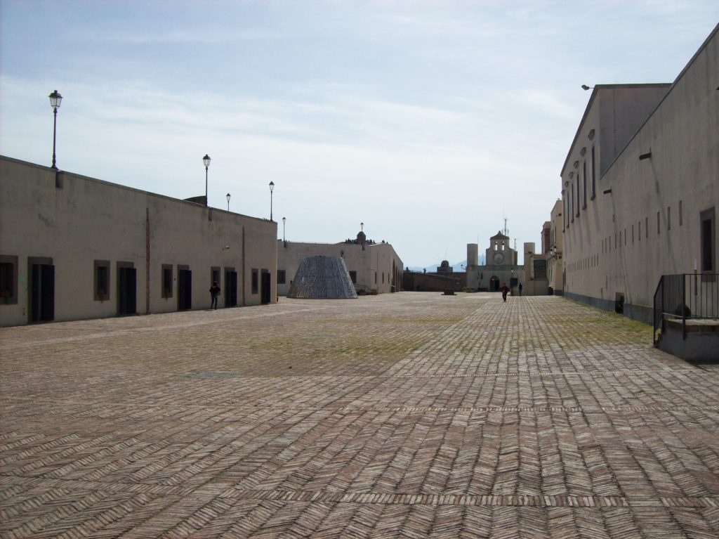 Castel Sant'Elmo (XII - XV sec.), Napoli