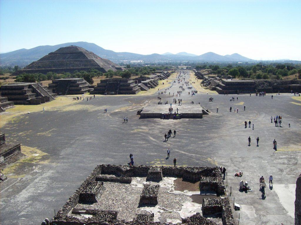 Teotihuacan, vista dalla Piramide della Luna, Messico