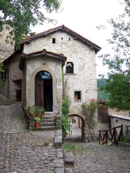La Scola, loc.Vimignano, Grizzana Morandi, (Bologna, Emilia-Romagna)
